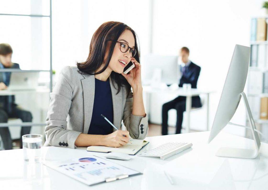 מזכירה וירטואלית: האם השירות מתאים לעורכי דין?;